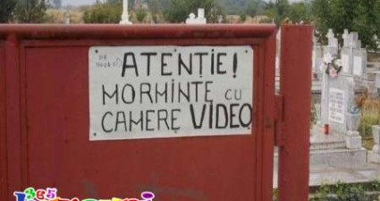 camere video in cimitir